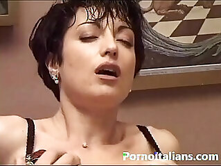 Kinky anal fucks her tight little asshole for you